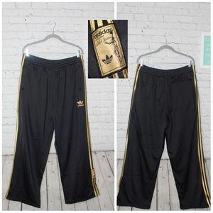 Adidas large black vtg Abdul Jabbar jogger pants